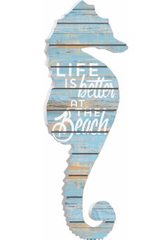 Seahorse Plank Art with Beach Life Quote.... http://www.beachblissdesigns.com/2017/06/seahorse-plank-art-with-beach-life.html