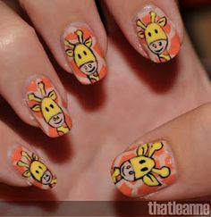 How to create giraffe print nail design on your beautiful nails. Animal nail art for giraffe print nail designs Nail Art Diy, Diy Nails, Manicure, Home Design, Giraffe Nails, Giraffe Crafts, Animal Nail Art, Nail Tutorials, Love Nails