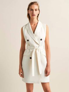 The most elegant styles at Massimo Dutti. Discover the latest clothing, shoes and accessories for women, men or kids from the Spring Summer 2019 collection. Blazer Dress, Dress Skirt, Shirt Dress, Double Breasted Waistcoat, Skirt Fashion, Fashion Outfits, Look Office, Prom Dresses Long With Sleeves, Fashion Forever