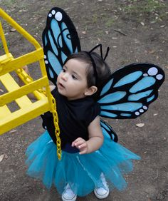 Baby girl butterfly costume, black felt butterfly, DIY butterfly wings, fallingforivi.wordpress.com