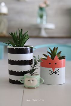 CUTE Cereal Box Succulent Planters. Made from cereal boxes and a few craft supplies, great for a kids craft or to make when on a budget! #triplepfeature