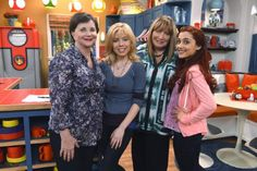 "Nick Celebrates TV Legend Garry Marshall With New ""Sam & Cat"" and ""See Dad Run"" Episodes"