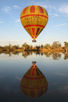 River Murray Balloon Flights with Barossa Balloon Adventures Adelaide South Australia, Western Australia, Australia Travel, Cool Countries, Countries Of The World, Murray River, Balloon Flights, Adventure Is Out There, Balloons