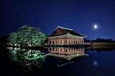 Nightscapes of Gyeonghwoiru in Gyeongbok Palace