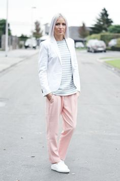 Turn it inside out: Zara white blazer, COS grey striped sweater, zara pastel pink trousers, zara white slip on, light winter outfit