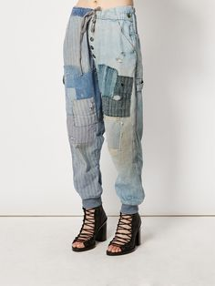 Shop tapered jeans for women online now at Farfetch. Find designer tapered jeans & narrow jeans from luxury boutiques worldwide Patchwork Jeans, Diy Fashion, Ideias Fashion, Jeans Fashion, Drop Crotch Jeans, Moda Jeans, Denim Ideas, Tapered Jeans, Denim Outfit