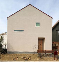 CASE#102::三角屋根のシンプルな外観を実現した家 - 燃費のいい家|R+house 岡崎 | 岡崎市の注文住宅/防犯住宅 ドクトルハウス | ネイブレイン