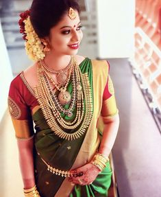 Beauty Pictures: Wedding Saree and South Indian Bride - Beauty Pictures: Wedding Saree and South Indian Bride - Kerala Hindu Bride, Kerala Wedding Saree, Wedding Saree Blouse, Indian Bridal Sarees, Bridal Silk Saree, Indian Bridal Fashion, Telugu Wedding, Silk Sarees, Kerala Saree Blouse Designs
