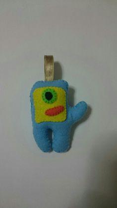 17: monstrinho azul em feltro
