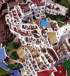 Casapueblo :: Punta del Este, Uruguay •    [CrazyPuntaDelEste.com Follow us @TheCrazyCities.com]