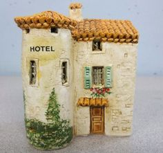 J CARLTON DOMINIQUE GAULT MINIATURE Building HOTEL 210207 CR