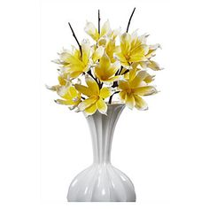 Simply beautiful, our Lemon Magnolia stem makes easy work of creating an outstanding floral arrangement.