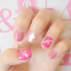 nails so cute!!  Fun and flirty