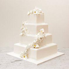 "10 Wedding Cake Tips from Buddy ""Cake Boss"" Valastro : Brides.com"
