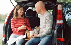 Top 10 Road Trip Snacks: Hitting the road? Keep your travel treats healthy and light and you'll sail past those fat-trap rest stops. Car Snacks, Snacks Ideas, Food Ideas, Road Trip Snacks, Road Trips, Weight Watchers Snacks, On The Go Snacks, Get Healthy, Healthy Snacks