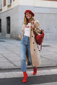 Red boots, white tee Outfits 2019 Outfits casual Outfits for moms Outfits for school Outfits for teen girls Outfits for work Outfits with hats Outfits women Winter Outfits For Teen Girls, Winter Fashion Outfits, Fall Winter Outfits, Look Fashion, Autumn Fashion, Ootd Winter, Japan Fashion, Trendy Fashion, Paris Outfits