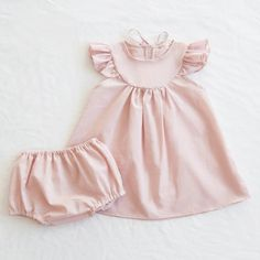 Image of Lisa Dress & Bloomer Set, Pale Pnk Toddler Girl Outfits, Kids Outfits, Little Girl Dresses, Girls Dresses, Diy Kleidung, Baby Kind, Baby Sewing, Outfit Sets, Baby Dress