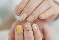 50 Trendy Fall Nail Art Design For 2019 50 Trendy Fall Nail Art Design For 2019 These trendy Nail Designs ideas would gain you amazing compliments. Check out our gallery for more ideas these are trendy this year. Yellow Nails Design, Yellow Nail Art, Neon Yellow, Blue Nail, Yellow Black, Fall Nail Art Designs, Cute Nail Designs, Stylish Nails, Trendy Nails