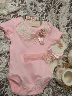 newborn outfit, newborn vintage headband and onesie gift set. $24.95, via Etsy.