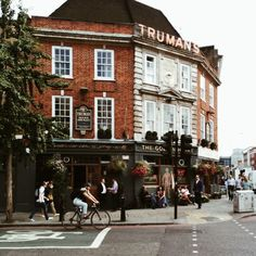 gillianstevens:  London. (at Trumans Pub)