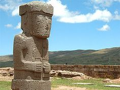 Tiwanaku Statue Der Moench.jpg RIVE SUD DU LAC DE TITICACA