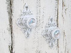 Items similar to Shabby Chic Curtain Tiebacks / Shabby Chic / Rustic White Curtain Tiebacks / Drawer Pull / Cabinet Pull on Etsy Shabby Chic Pillows, Shabby Chic Curtains, Shabby Chic Living Room, Shabby Chic Bedrooms, Shabby Chic Kitchen, Shabby Chic Furniture, Cafe Curtains, Kitchen Curtains, Elegant Curtains