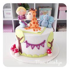 Jungle themed first birthday cake
