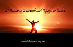 El amor parte de la confianza, el apego parte del miedo!!! ¿Tú estás viviendo en confianza o en el miedo? www.amoryexito.com Feliz jueves :)