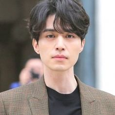 Middle Part Hairstyles, Cool Hairstyles For Men, Hairstyles Haircuts, Haircuts For Men, Funky Hairstyles, Korean Haircut Men, Korean Men Hairstyle, Korean Hairstyles, Hairstyle Men