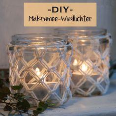 Diese DIY Makramee-Windlichter sind ganz schnell selbstgemacht. Alles, was du dazu brauchst, sind ein paar Wollreste und leere Einmachgläser. Und natürlich meine Anleitung – viel Spaß beim Knüpfen ;-) Die gibt es hier auf dem Blog...