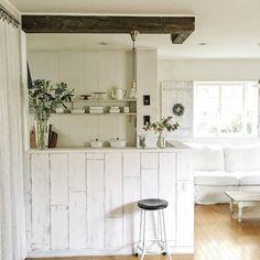 asamiさんの、部屋全体,DIY,ペイント,足場板,板壁DIY,吊り戸棚撤去,梁DIY,のお部屋写真