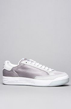 The Rod Laver Sneaker in Aluminum, Light Grey,