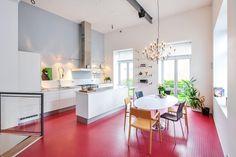 FINN – ØYA - Særegen, moderne og urban selveierleilighet fra 2004. Svært sentral og attraktiv beliggenhet. Meget pen standard