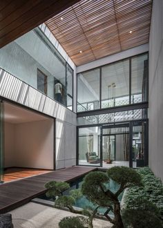 Double-Height Courtyard Providing Experiential Environment At RR House | Rakta Studio - The Architects Diary Studios Architecture, Architecture Plan, Residential Architecture, Dream Home Design, House Design, Modern Courtyard, Courtyard House, Arch Model, Windows