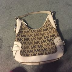 Michael kors purse Very cute and in great condition MICHAEL Michael Kors Bags Shoulder Bags