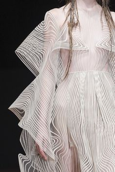 Iris Van Herpen Fall 2017 Couture Fashion Show Details - The Impression Couture Fashion, Runway Fashion, Fashion Art, High Fashion, Fashion Show, Autumn Fashion, Womens Fashion, Fashion Design, Fashion Trends