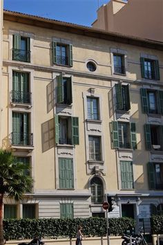 """Résidence France Riviera, Nice, #France (students only): Fully furnished & equipped studios in the centre of the town, close to shops, """"La Promenade des Anglais"""" and the sea. http://www.universityrooms.com/en/city/nice/college/residencefranceriviera1"""