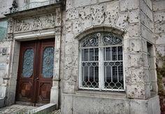 Bullet holes from WW2 in Berlin : pics