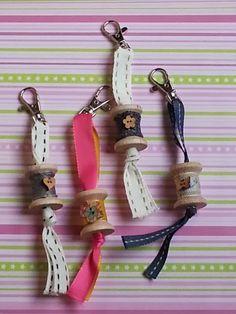Key chain from wooden spools Wooden Spool Crafts, Wood Spool, Fabric Crafts, Sewing Crafts, Sewing Projects, Knitting Projects, Ideias Diy, Thread Spools, Key Fobs
