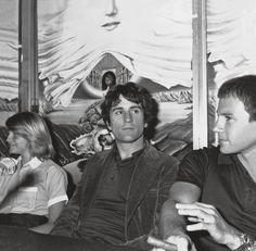 "slowleaner: "" wandrlust: "" Jodie Foster, Robert De Niro, and Harvey Keitel, Cannes, 1976 — Auguste Traverso "" BABES """