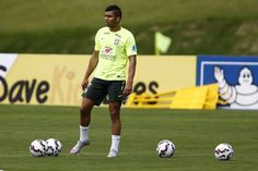 """Injured Real Madrid pair Casemiro and Marcelo have been excluded from Brazil's squad for next month's World Cup qualifiers against Bolivia and Venezuela, national coach Tite confirmed. Casemiro is expected to miss up to a month with a fractured fibula while Marcelo is sidelined with a calf injury, Xinhua reported on Sunday. """"I have already … Continue reading """"Casemiro, Marcelo Excluded From Brazil Squad"""""""
