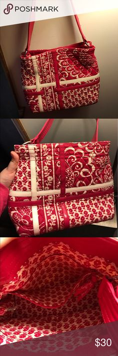 Vera Bradley Twirly Birds Magnet Close Bag Vera Bradley hot dark pink, magnet snap close tote bag. Gently used, very few times. Cross posted. ***Make a reasonable offer, bundle items for a discount on shipping!*** Vera Bradley Bags Shoulder Bags