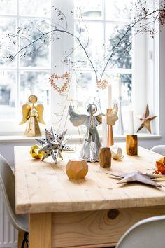 kersttafel, kerstversiering, christmas decorations, kerstengelen. Wereldwinkels.nl