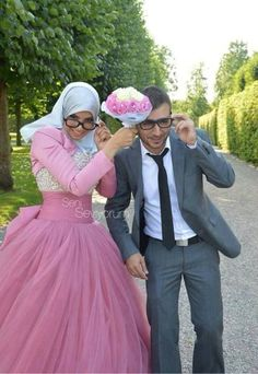 Cool Muslim Wedding Dresses This made me laugh.. It shows we Muslims are real human beings too with a sense ... Check more at http://24myshop.ml/my-desires/muslim-wedding-dresses-this-made-me-laugh-it-shows-we-muslims-are-real-human-beings-too-with-a-sense-2/