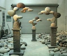 Incredible Stone Sculptures by American Artist Woods Davy I love the weightlessness used with such heavy objects---Floating Stones Sculpture by Woods Davy ^The art of sculptor Woods Davy is both inspired by nature and composed of natural elements. Garden Crafts, Garden Projects, Garden Art, Garden Design, Diy Garden, Rock Sculpture, Stone Sculptures, Garden Sculpture Art, Metal Sculptures