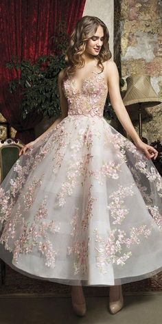 21 Incredible Tea Length Wedding Dresses is part of Wedding dress guide - Tea length wedding dresses are invented for small and sassy brides who want a sexy look These style of dresses will underline your features, make you Cute Prom Dresses, Ball Dresses, Pretty Dresses, Beautiful Dresses, Evening Dresses, Dresses Dresses, Bridesmaid Dresses, Casual Dresses, Fancy Dresses For Weddings