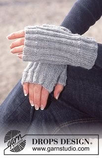 25 ideas for knitting patterns free fingerless gloves drops design Poncho Knitting Patterns, Baby Hats Knitting, Free Knitting, Crochet Patterns, Crochet Ideas, Drops Design, Beginner Knitting Projects, Knitting For Beginners, Fingerless Gloves Knitted