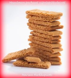 Nämä pikkuleivät ovat erittäin helpot ja nopeat tehdä ja sen lisäksi ne ovat todella herkullisia! :) Ohjeen olen saanut aik... Clean Recipes, Sweet Recipes, Cooking Recipes, No Bake Desserts, Vegan Desserts, Gingerbread Cookies, Christmas Cookies, Cupcakes, Something Sweet