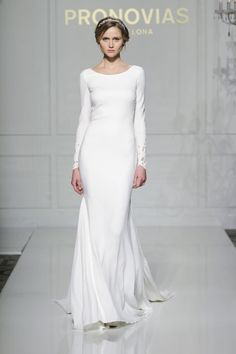 The Best Long-Sleeve Wedding Dresses at Bridal Fashion Week