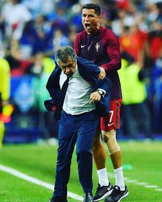 Manager 😐 Captain 😃 #PORFRA #EURO2016